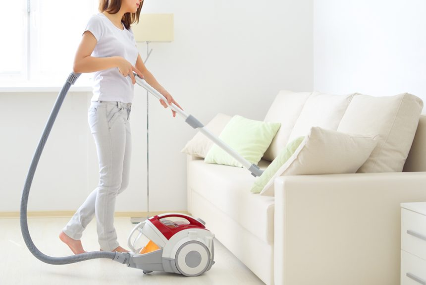 6 Tips To Keep Your Home Clean Over The Holidays